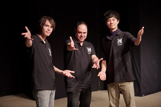 【後編】ネイティブスピーカーが熱血指導 英語劇グループで培う度胸と英語力