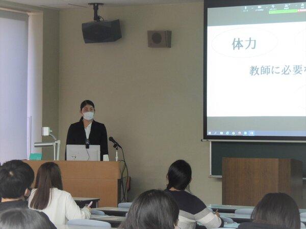 3.宮田絢海先生の講話.JPGのサムネイル画像