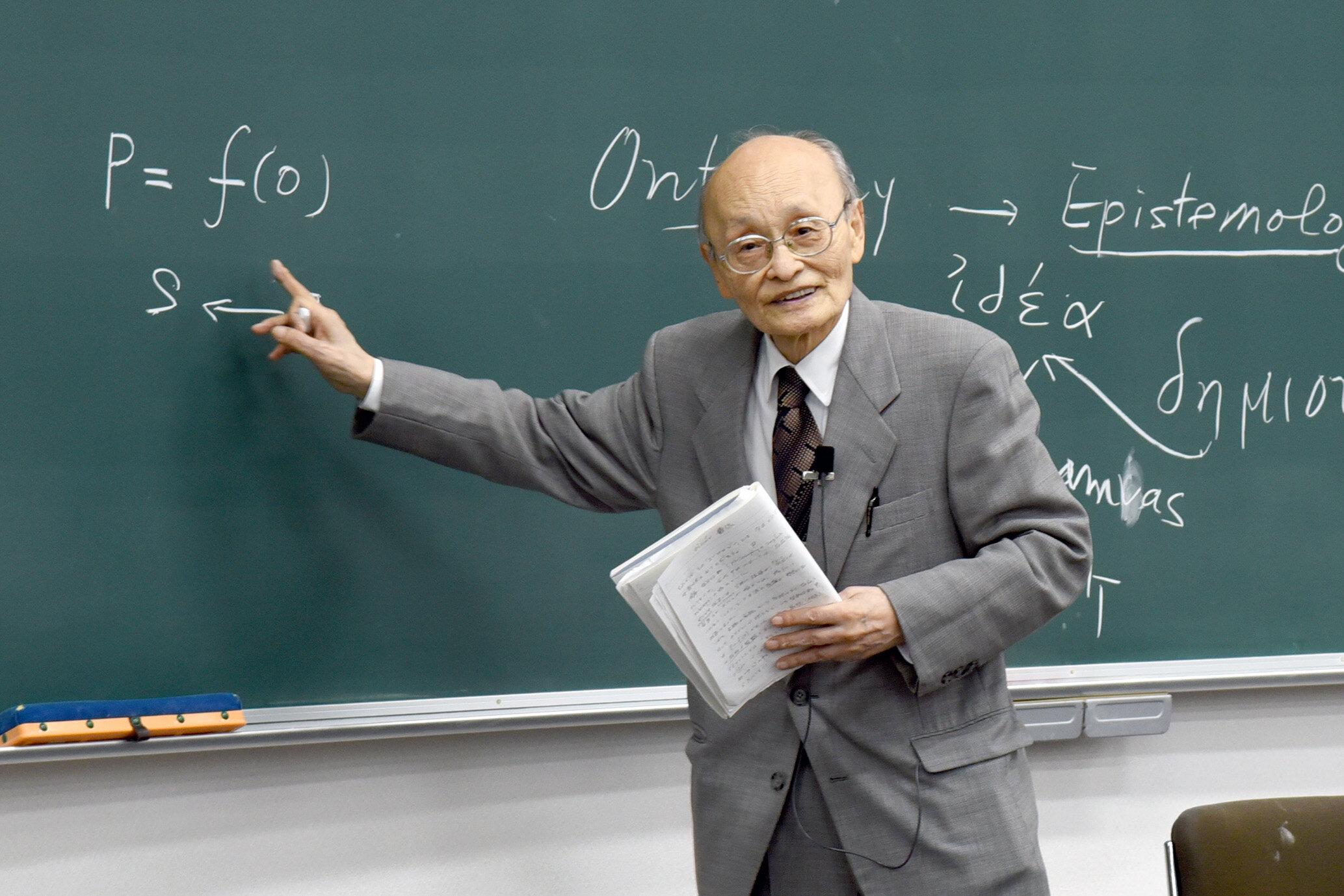 伊東俊太郎名誉教授が文化功労者に選出されました