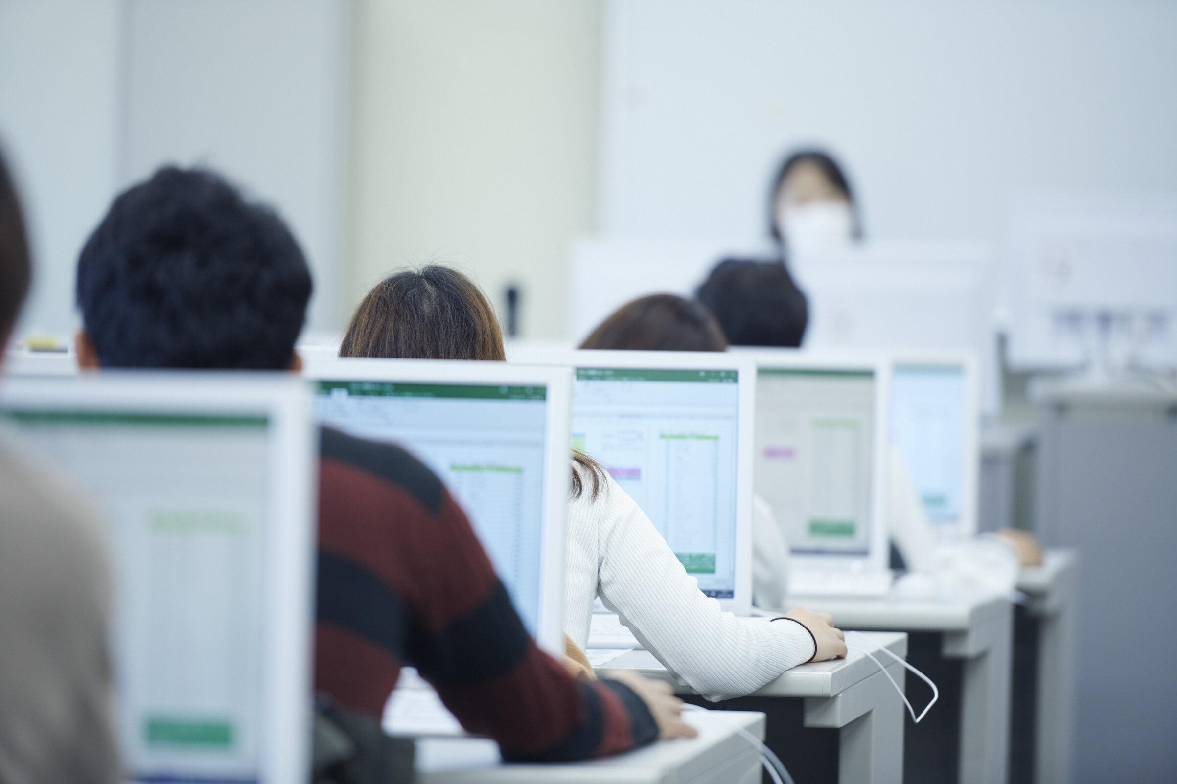 麗澤大学全学PC必携化について