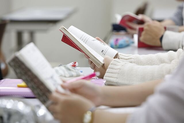 【入学予定者の皆さんへ】教科書・教材の購入について